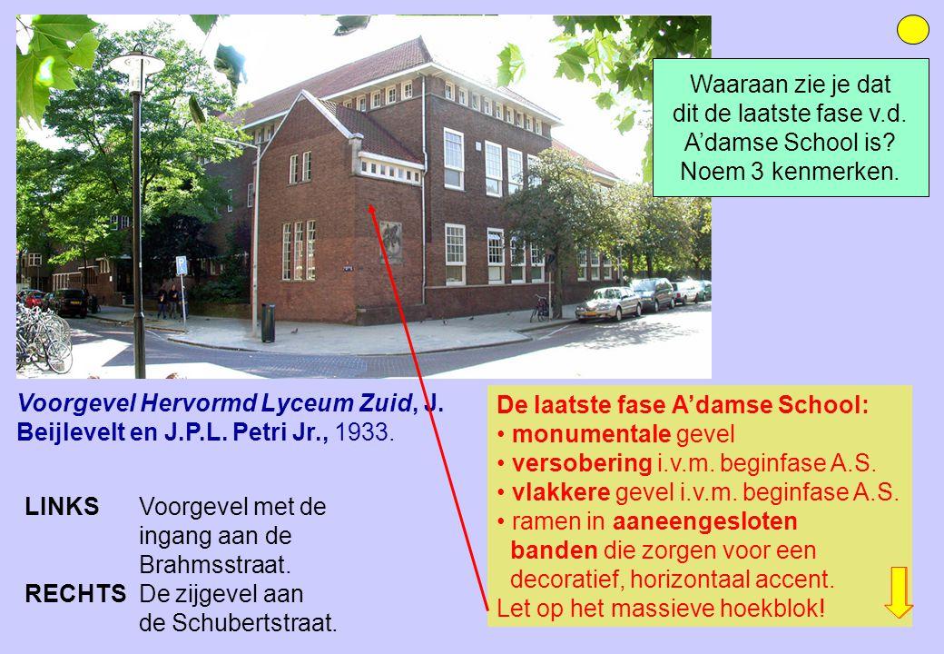 De laatste fase A'damse School: monumentale gevel versobering i.v.m. beginfase A.S. vlakkere gevel i.v.m. beginfase A.S. ramen in aaneengesloten bande