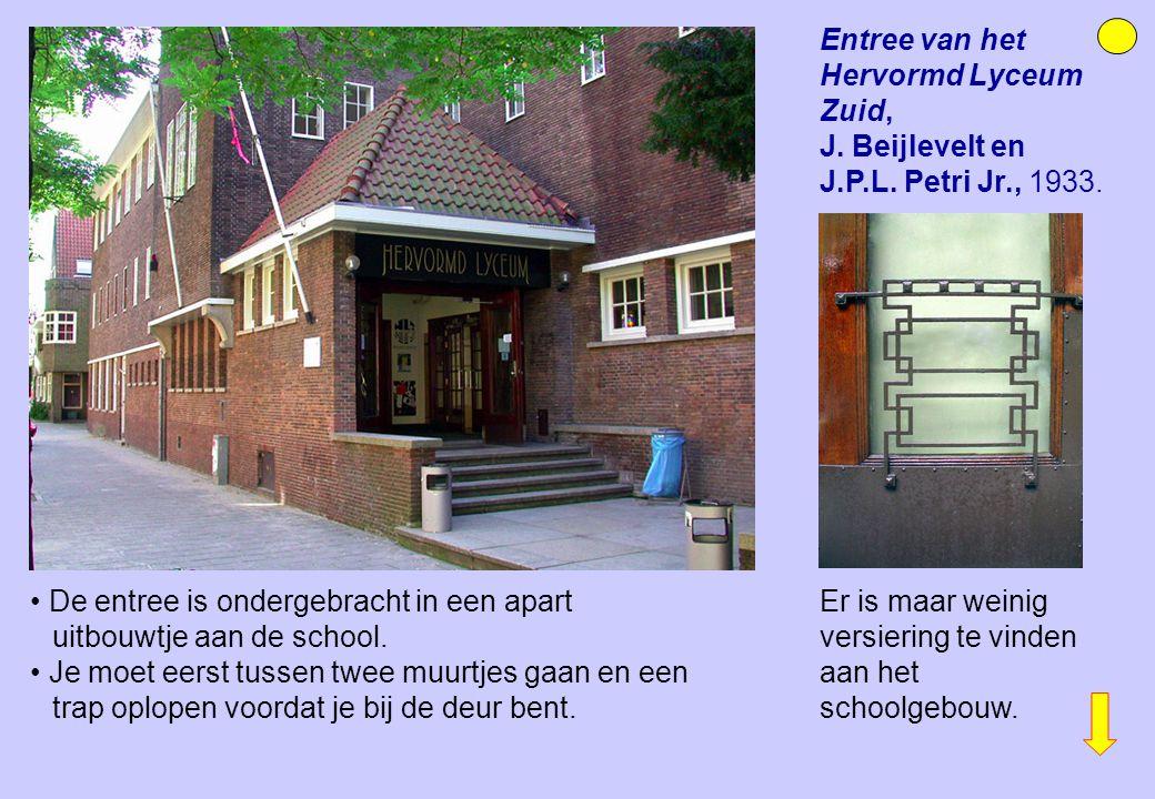 Entree van het Hervormd Lyceum Zuid, J. Beijlevelt en J.P.L. Petri Jr., 1933. De entree is ondergebracht in een apart uitbouwtje aan de school. Je moe