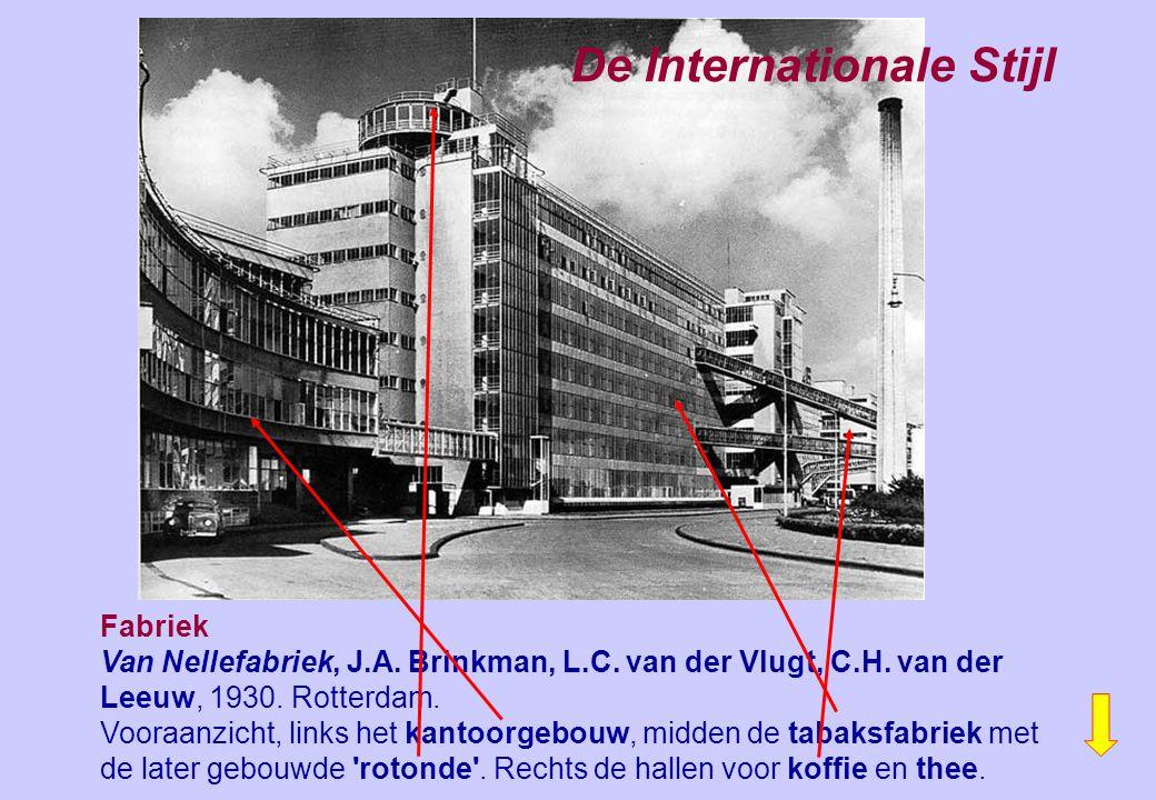 Fabriek Van Nellefabriek, J.A. Brinkman, L.C. van der Vlugt, C.H. van der Leeuw, 1930. Rotterdam. Vooraanzicht, links het kantoorgebouw, midden de tab