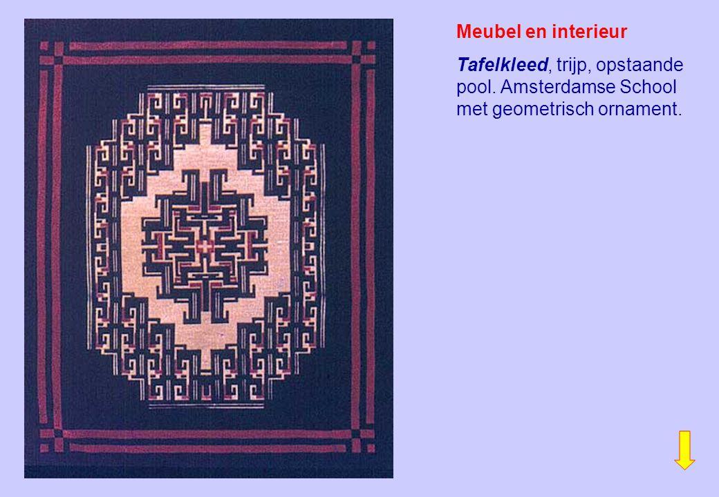 Meubel en interieur Tafelkleed, trijp, opstaande pool. Amsterdamse School met geometrisch ornament.