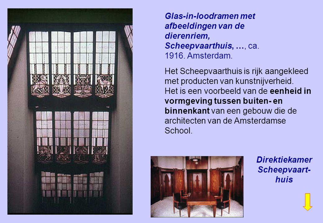 Glas-in-loodramen met afbeeldingen van de dierenriem, Scheepvaarthuis, …, ca. 1916. Amsterdam. Het Scheepvaarthuis is rijk aangekleed met producten va