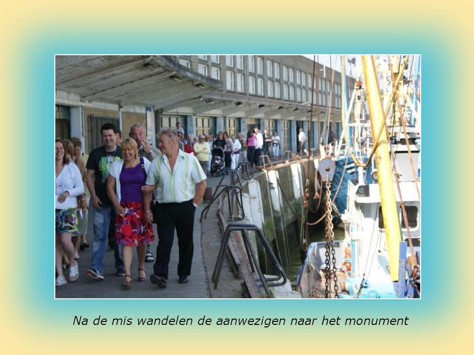 Dirk : Aalmoezenier Vissershulde in de vismijn van Nieuwpoort