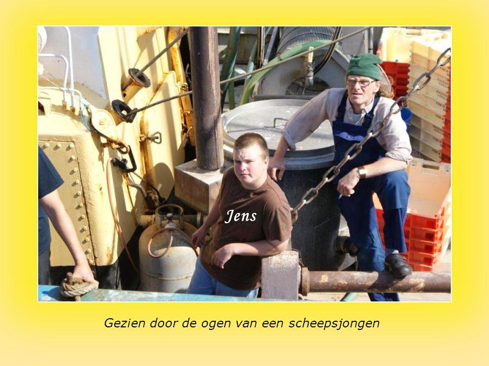 Bemanning van het kustvaartuig dat op garnaal vist Benny Jean-PierreJens
