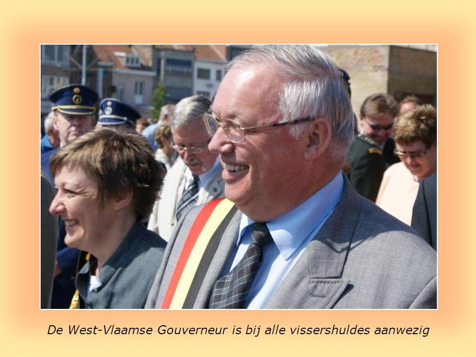 Politici zijn eveneens van de partij Roland : burgemeester Johan Dirk