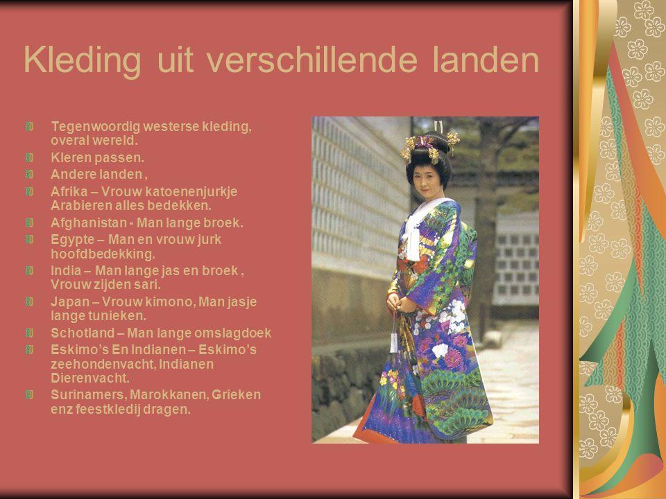 Kleding uit verschillende landen Tegenwoordig westerse kleding, overal wereld. Kleren passen. Andere landen, Afrika – Vrouw katoenenjurkje Arabieren a