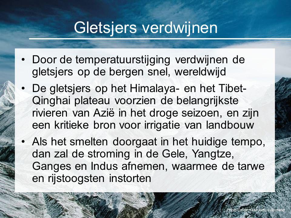 Gletsjers verdwijnen Door de temperatuurstijging verdwijnen de gletsjers op de bergen snel, wereldwijd De gletsjers op het Himalaya- en het Tibet- Qin
