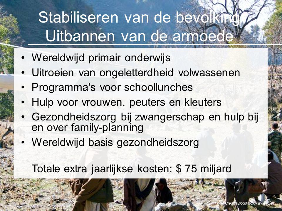 Photo Credit: iStockPhoto / wweagle Stabiliseren van de bevolking Uitbannen van de armoede Wereldwijd primair onderwijs Uitroeien van ongeletterdheid