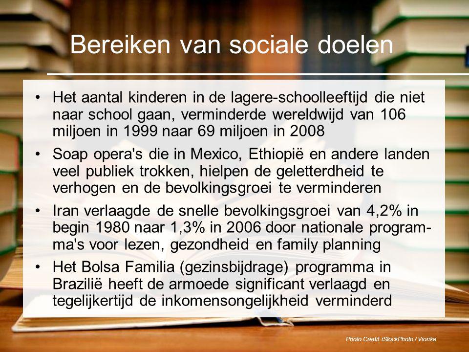 Photo Credit: iStockPhoto / Viorika Bereiken van sociale doelen Het aantal kinderen in de lagere-schoolleeftijd die niet naar school gaan, verminderde