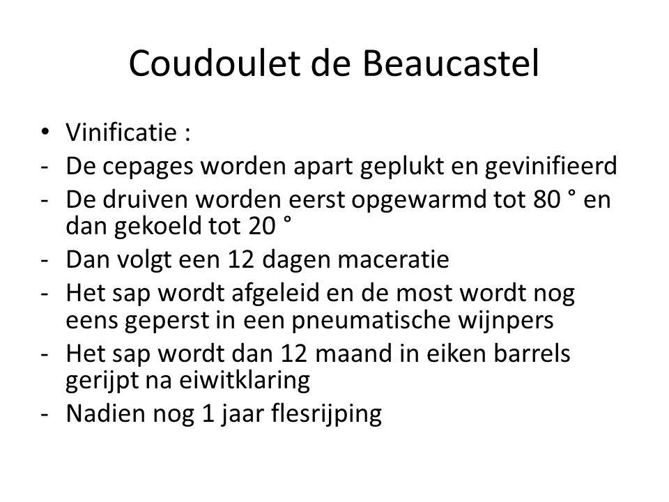 Coudoulet de Beaucastel Vinificatie : -De cepages worden apart geplukt en gevinifieerd -De druiven worden eerst opgewarmd tot 80 ° en dan gekoeld tot