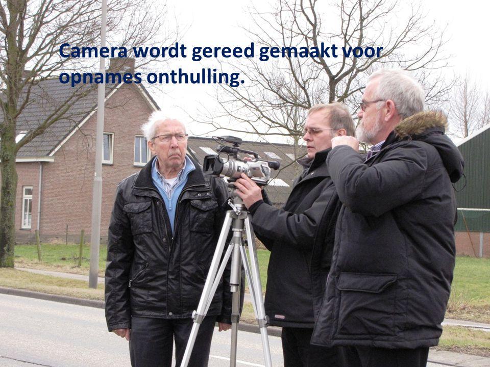 Camera wordt gereed gemaakt voor opnames onthulling.