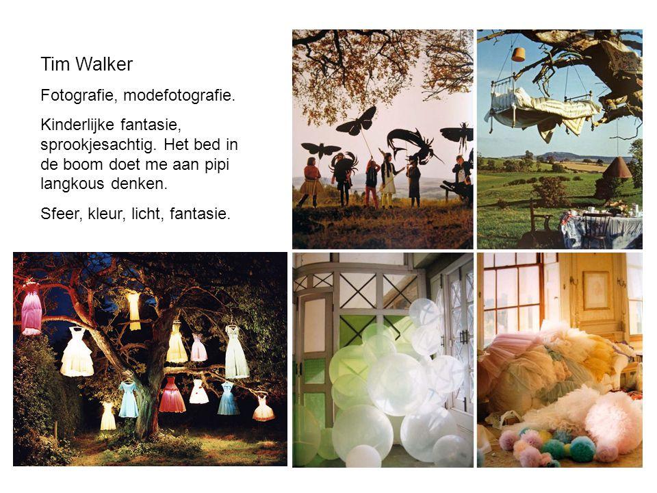 Tim Walker Fotografie, modefotografie. Kinderlijke fantasie, sprookjesachtig. Het bed in de boom doet me aan pipi langkous denken. Sfeer, kleur, licht