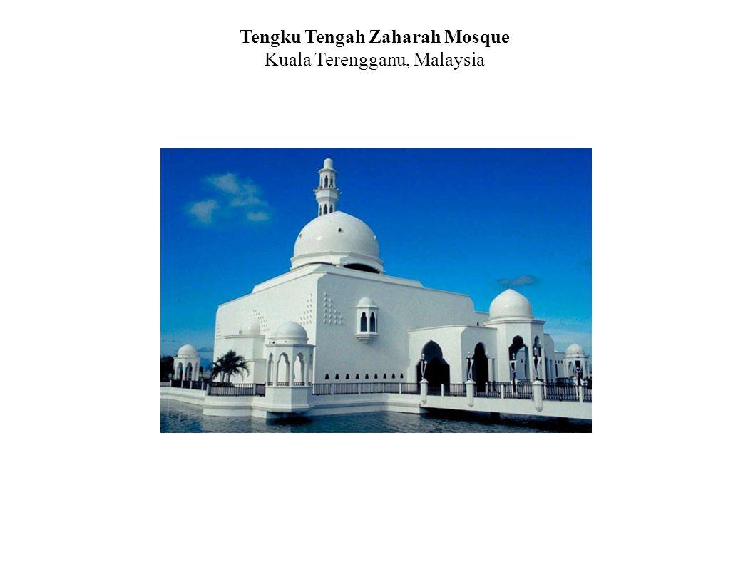 Tengku Tengah Zaharah Mosque Kuala Terengganu, Malaysia