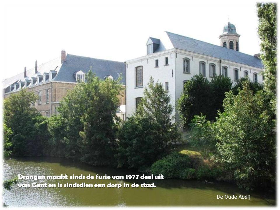 De Oude Abdij Drongen maakt sinds de fusie van 1977 deel uit van Gent en is sindsdien een dorp in de stad.