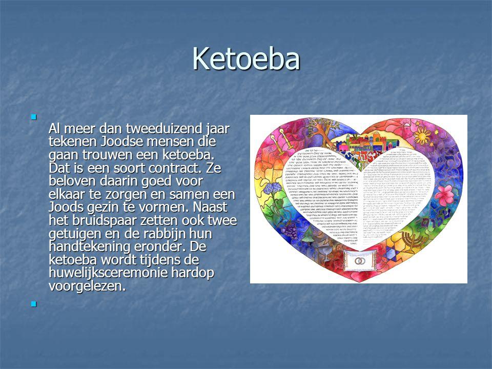 Ketoeba Al meer dan tweeduizend jaar tekenen Joodse mensen die gaan trouwen een ketoeba.