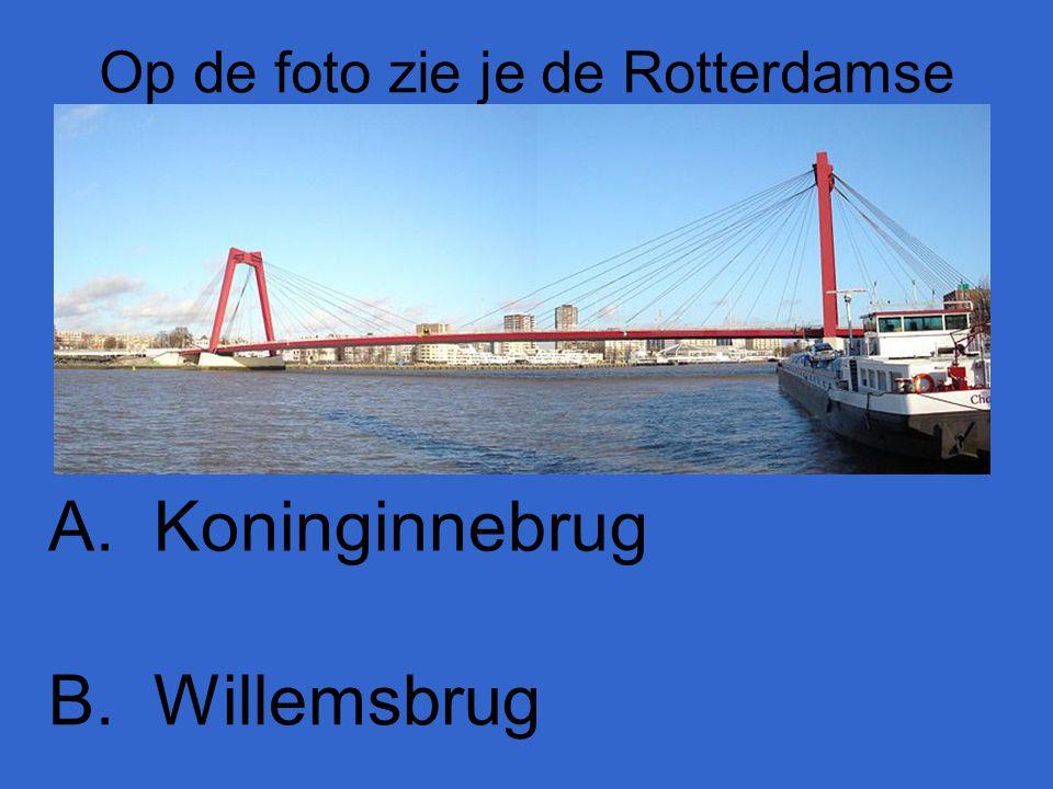 Op de foto zie je de Rotterdamse A.Koninginnebrug B.Willemsbrug