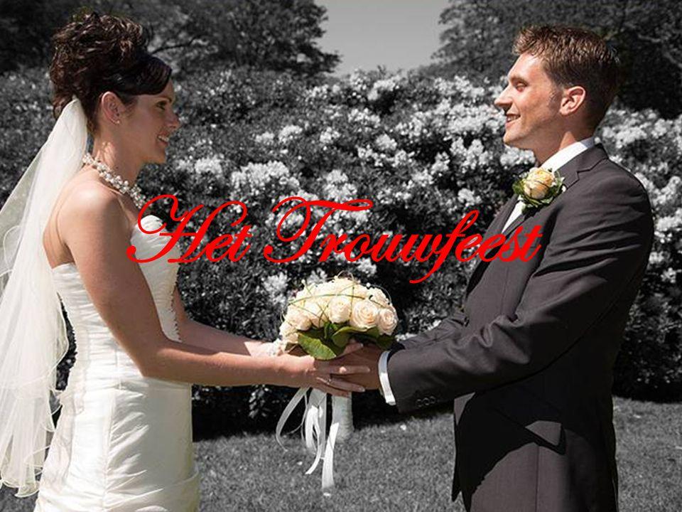 Ten huwelijk vragen Bij ons is het normaal dat de man de vrouw ten huwelijk vraagt.