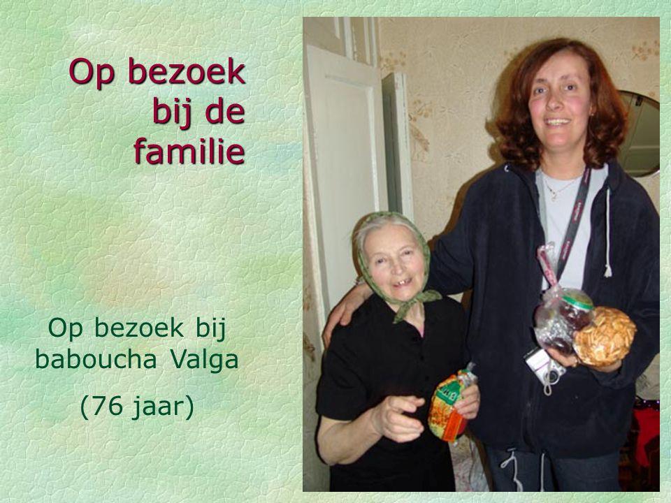 Raman Andreichykav Mama Olga Tante Katia Overgrootmoeder Valja Op bezoek bij de familie