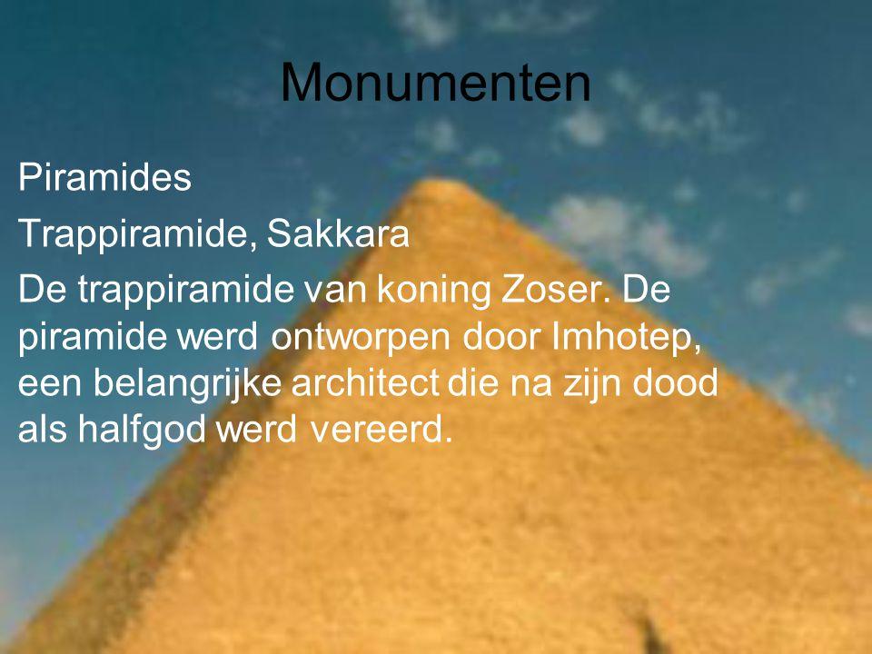 Monumenten Piramides Trappiramide, Sakkara De trappiramide van koning Zoser.
