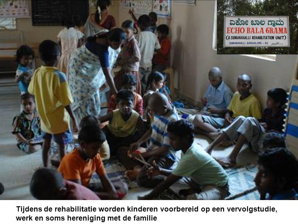 Tijdens de rehabilitatie worden kinderen voorbereid op een vervolgstudie, werk en soms hereniging met de familie