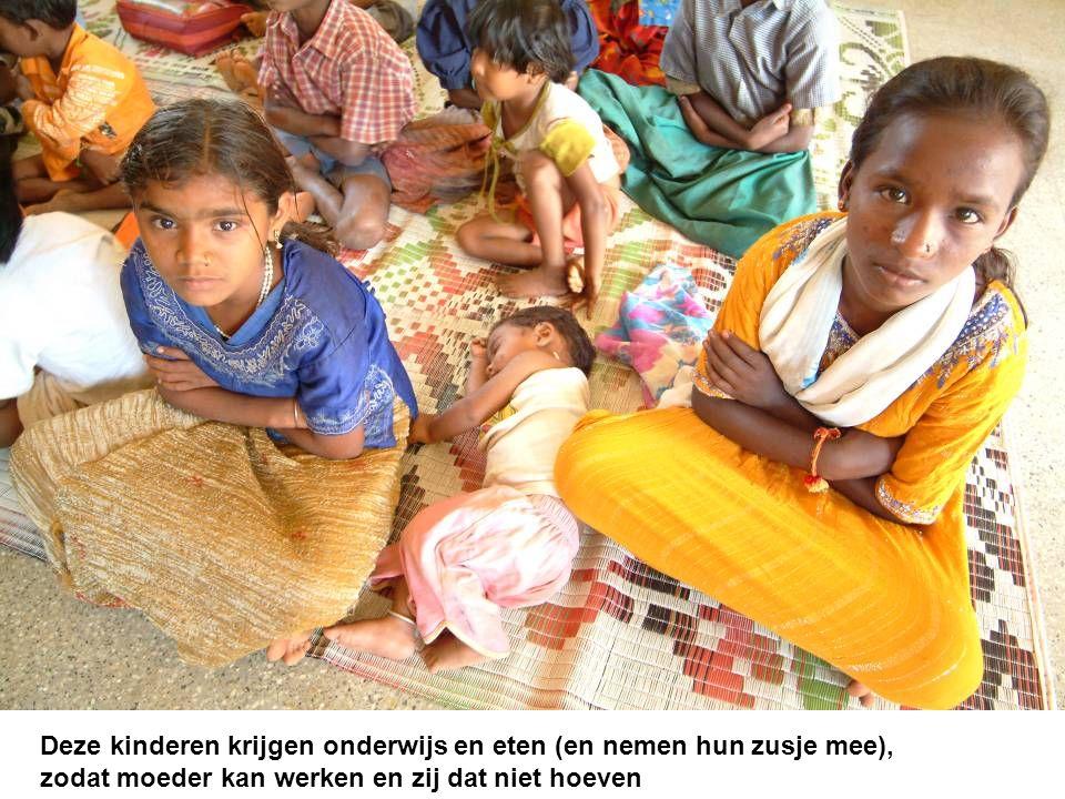 Deze kinderen krijgen onderwijs en eten (en nemen hun zusje mee), zodat moeder kan werken en zij dat niet hoeven