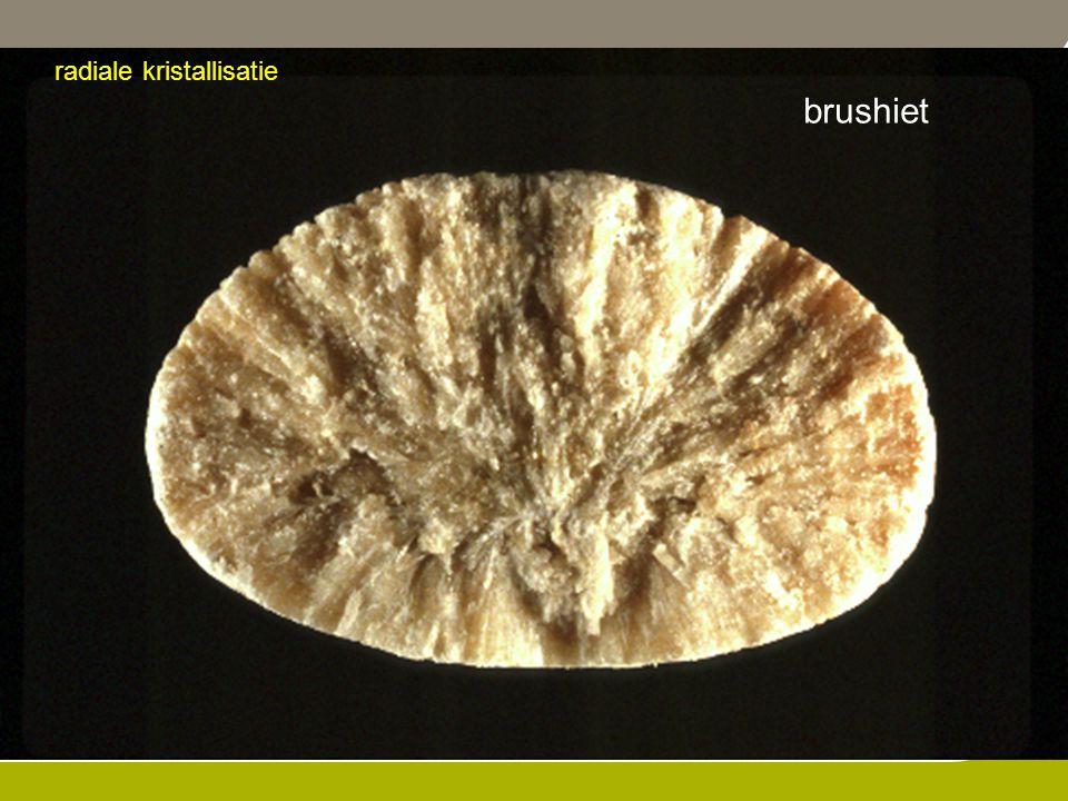 radiale kristallisatie brushiet