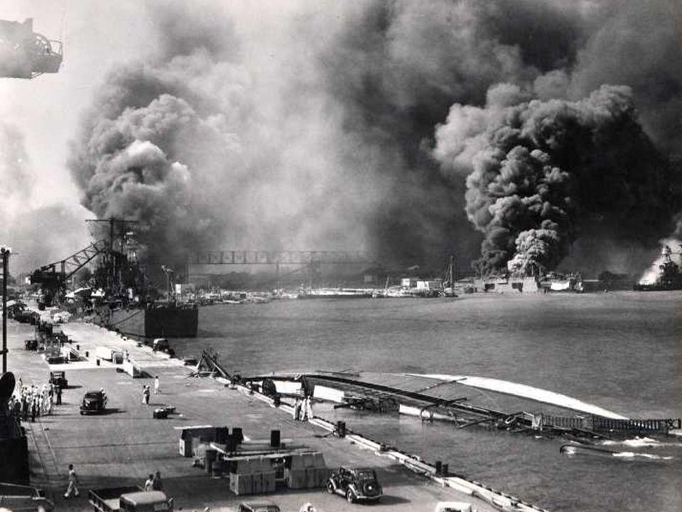 Met de aanval op Pearl Harbor mengt Japan zich definitief in het grote geweld, aan de zijde van de Nazi's.