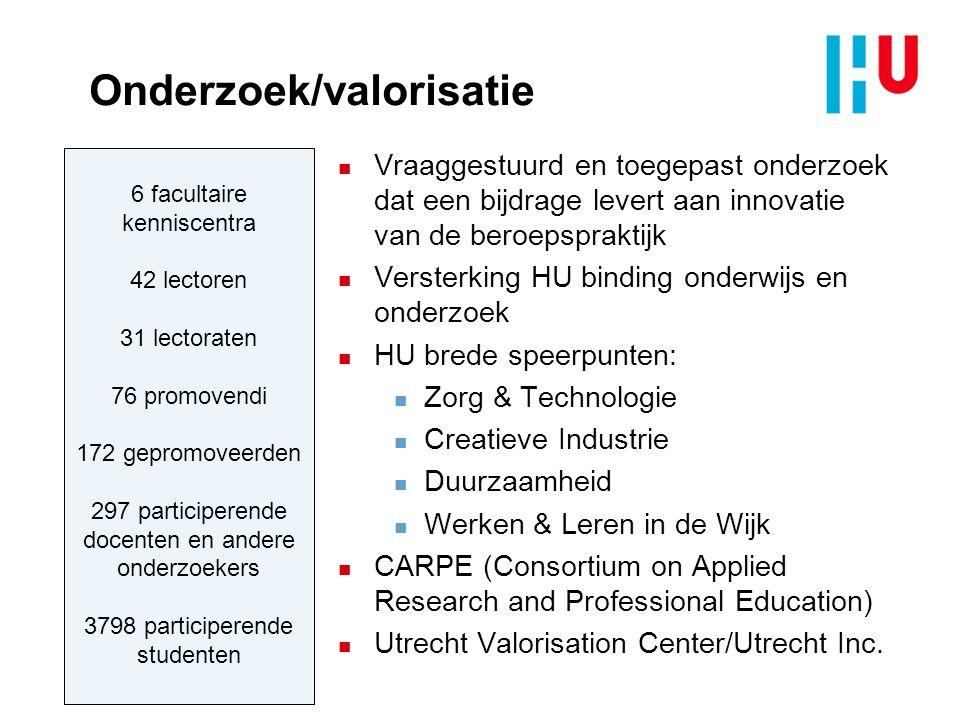 HU Diensten n Een open kennisorganisatie van medewerkers en studenten n Kerntaken staan voorop (Onderwijs & Onderzoek); bedrijfsvoering heeft ondersteunende functie n Werken vanuit een gedeelde en gestandaardiseerde infrastructuur