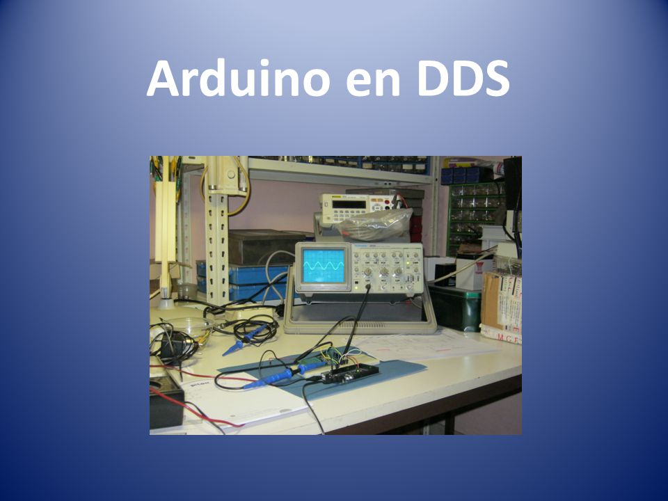 DDS chips DDS = Direct Digital (frequency) Synthesis Output = sinusvormig signaal Maximum frequentie = ½ klokfrequentie Frequentie bepaald door 'tuning word' Grootste fabrikant: Analog Devices (AD9xxx)
