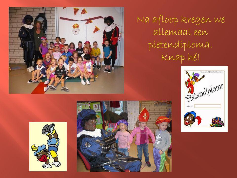 Op 5 december kwam Sinterklaas met zijn pieten bij ons op school..