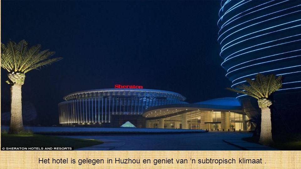 Het hotel biedt 321 kamers, waaronder 44 luxekamers & 39 villas