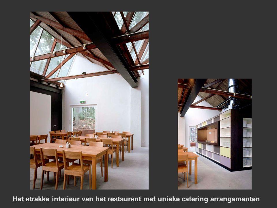 Het strakke interieur van het restaurant met unieke catering arrangementen