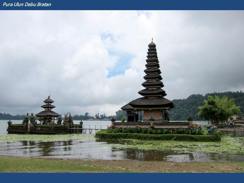 Ceremonie aan de voet van de Gunung Agung