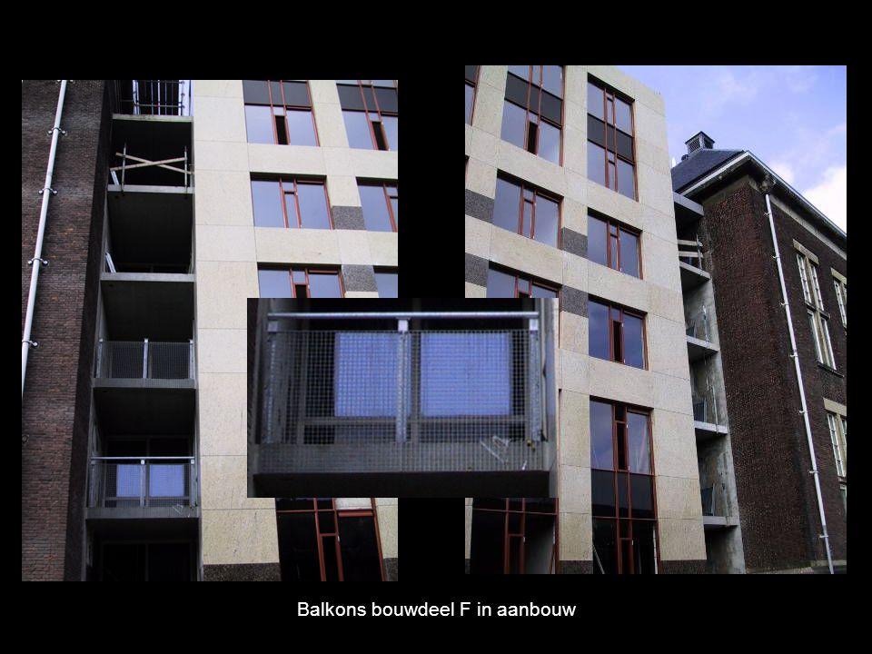 Balkons bouwdeel F in aanbouw