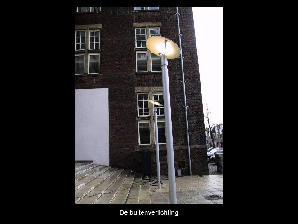 De buitenverlichting