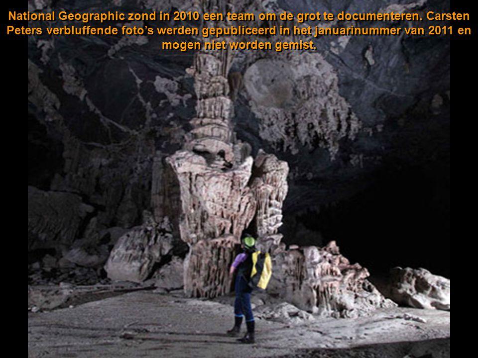 De grot wordt beschouwd als de grootste van de wereld. In een van de grotten past een blok van New Yorkse wolkenkrabbers! De grot heeft een rivier en