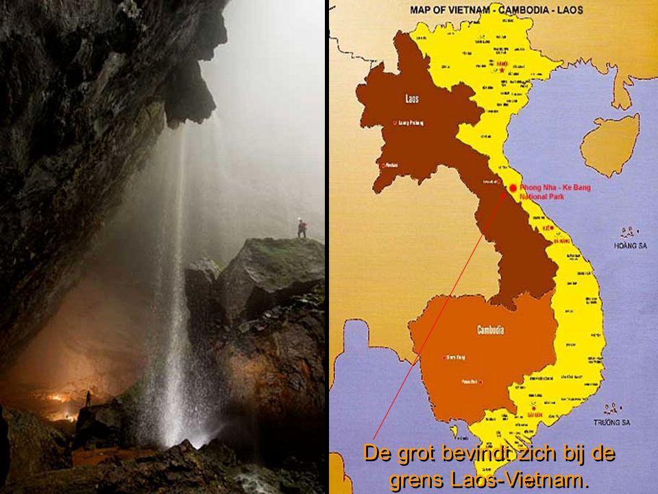 De grot bevindt zich bij de grens Laos-Vietnam.