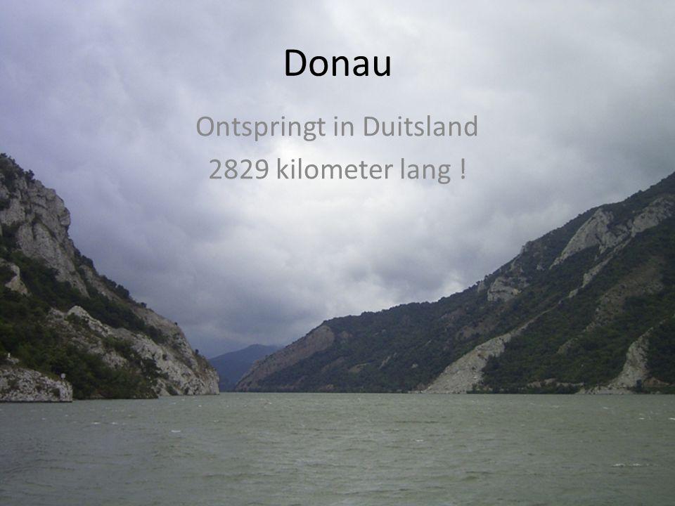 Wolga 3551 km lang ! Stroomt door : DuitslandOostenrijkSlowakijeHongarijeKroatiëServiëBulgarijeRoemeniëMoldaviëOekraïne