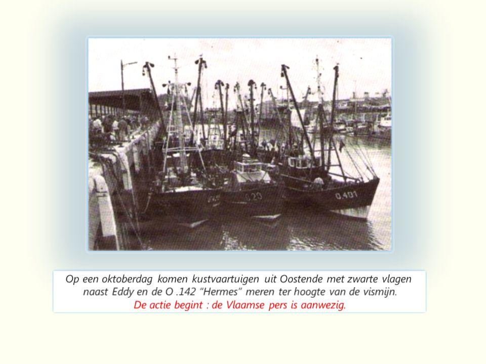 Nederlandse garnaalvanger op de kust van oosten Oostende