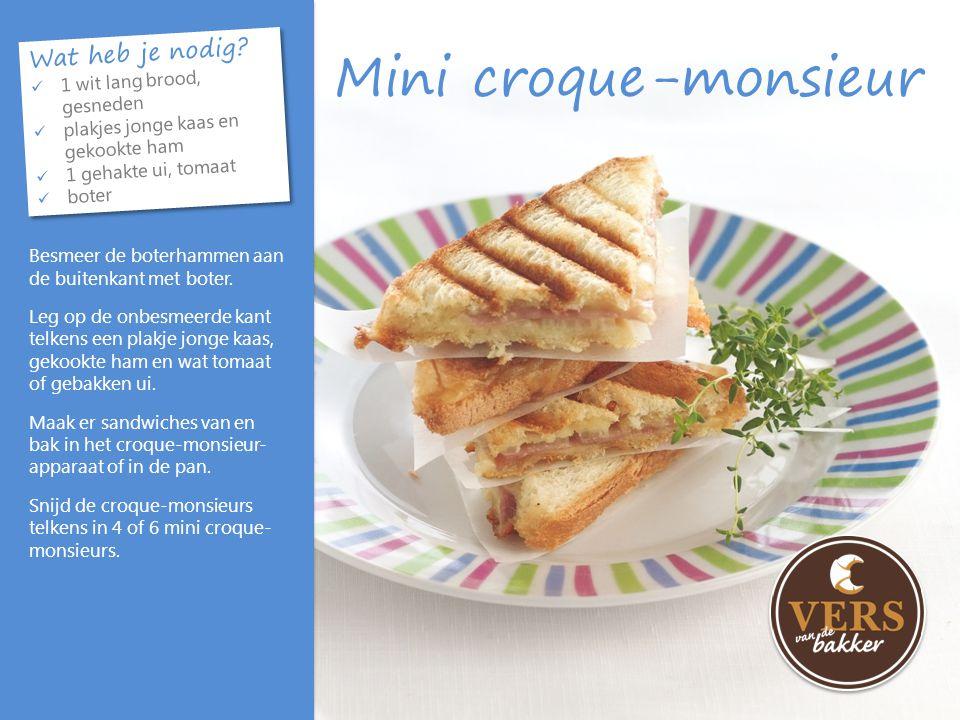 Mini croque-monsieur Wat heb je nodig? 1 wit lang brood, gesneden plakjes jonge kaas en gekookte ham 1 gehakte ui, tomaat boter Wat heb je nodig? 1 wi