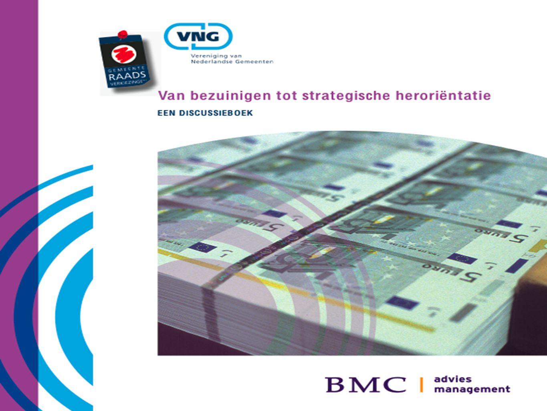 23-11-2010 4 Urgentie voor een nieuwe balans 1.Onderstroom: overvraagde overheid 2.Gemeenten moeten het doen met minder geld.