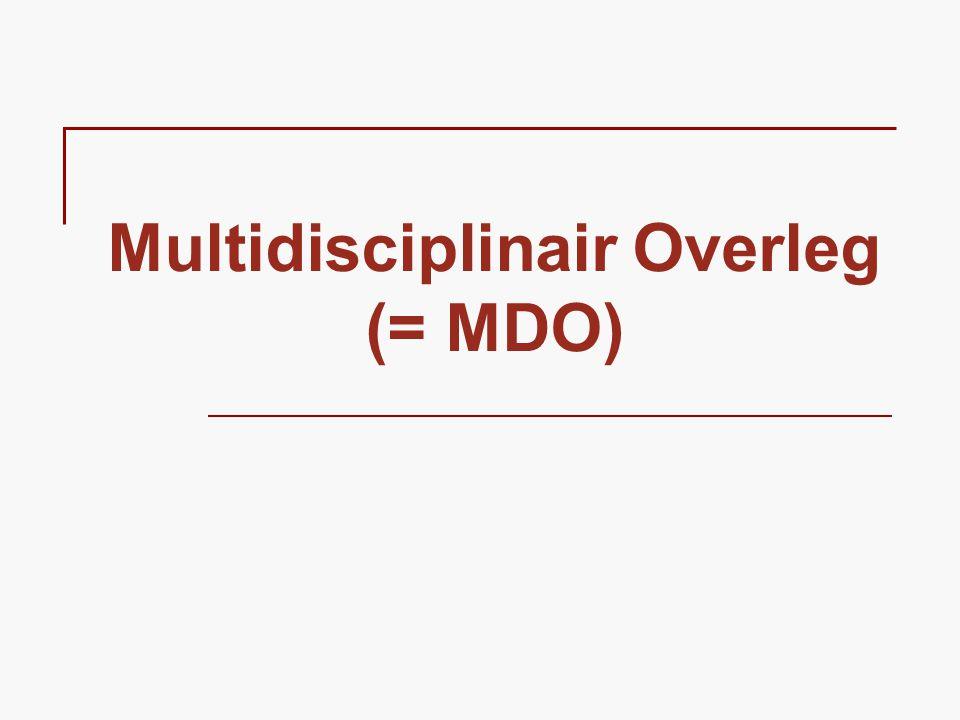 WAT Een multidisciplinair overleg is  een overlegbijeenkomst  met minstens 3 professionele zorgaanbieders van verschillende disciplines  rond de individuele patiënt/cliënt/gebruiker  met als doel de thuiszorg te optimaliseren.