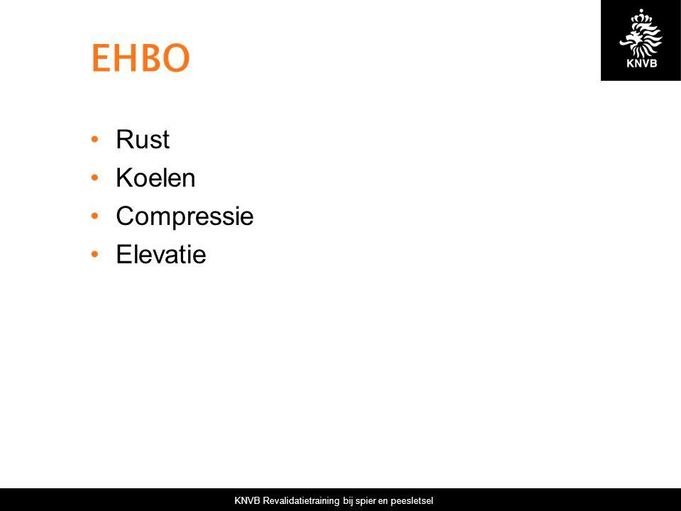 KNVB Revalidatietraining bij spier en peesletsel EHBO Rust Koelen Compressie Elevatie