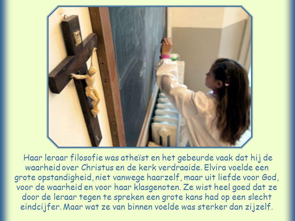 Ze heette Elvira en studeerde voor onderwijzeres. Thuis waren ze arm. Alleen met een hoog gemiddeld cijfer zou ze haar studie kunnen voortzetten. Ze h