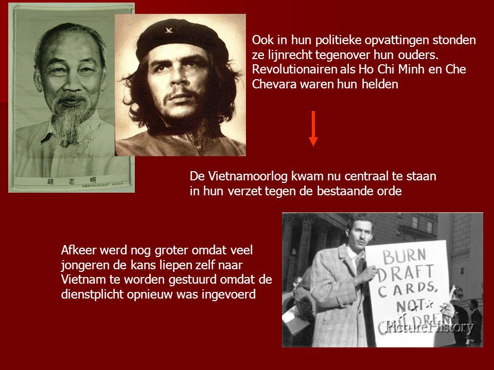 Ook in hun politieke opvattingen stonden ze lijnrecht tegenover hun ouders. Revolutionairen als Ho Chi Minh en Che Chevara waren hun helden De Vietnam
