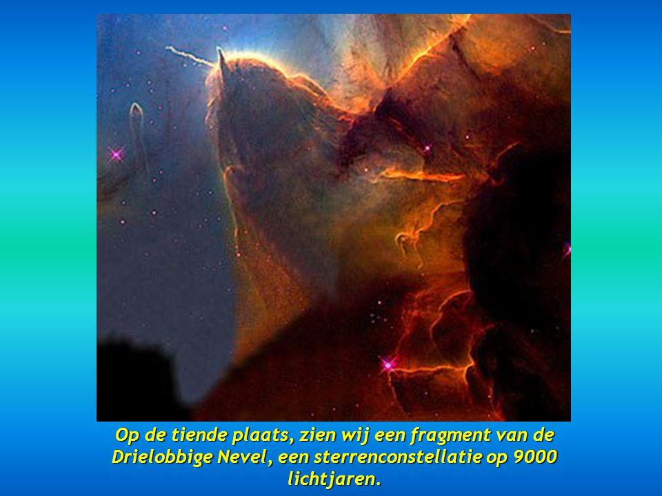 Op de negende plaats, twee draaikolkende sterrenstelsels, de NGC 2207 en de IC 2163 gesitueerd op 114 miljoen lichtjaren.