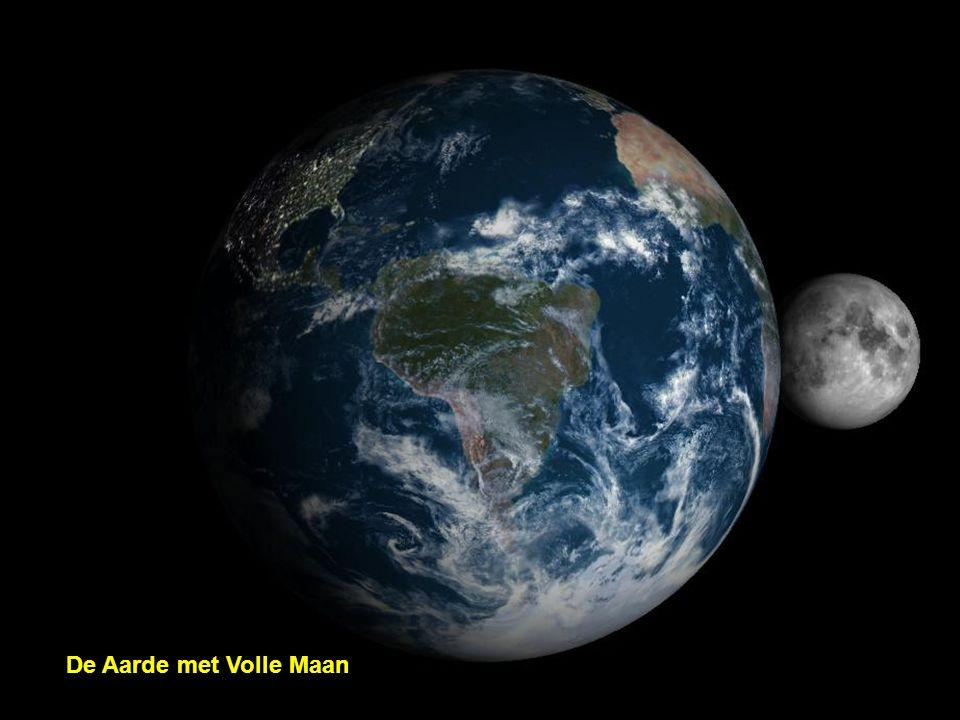De Aarde met Nieuwe Maan