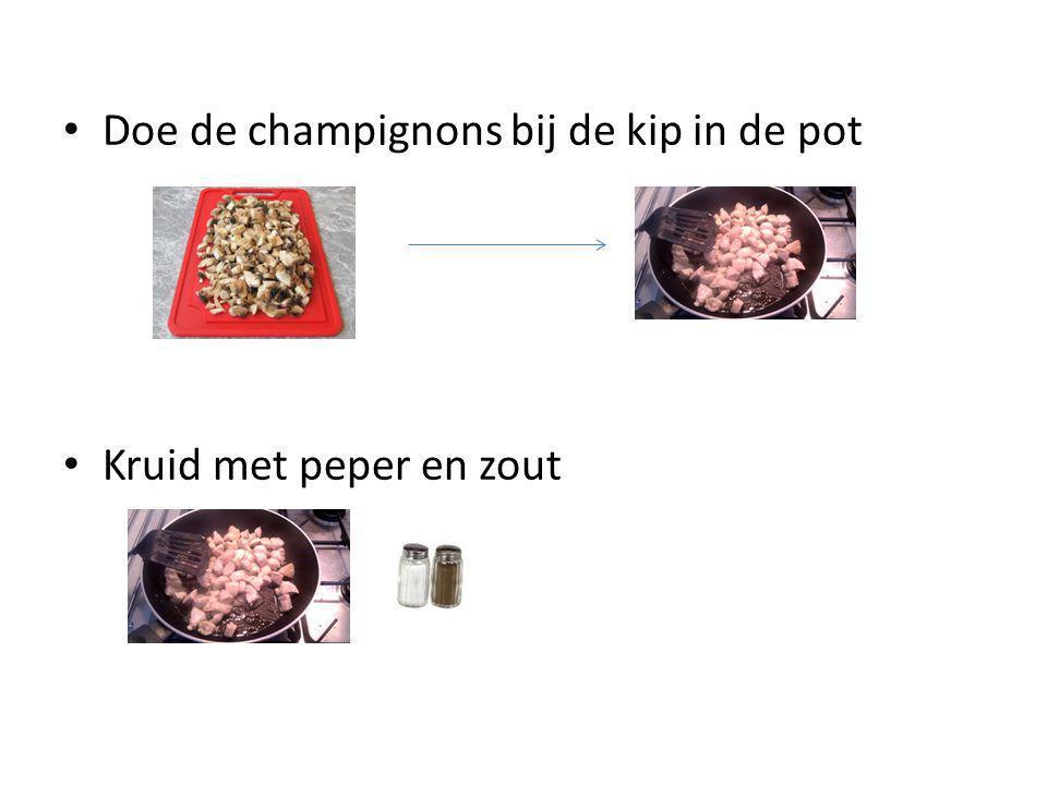 Doe de champignons bij de kip in de pot Kruid met peper en zout