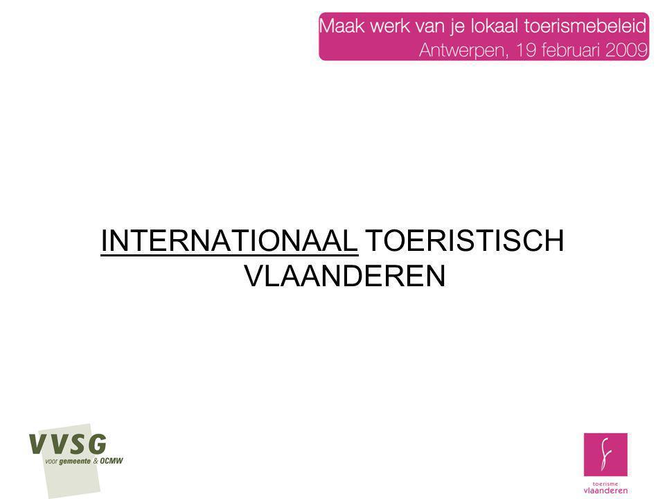 Het is belangrijk om het internationaal toeristisch onthaal in onze grote toeristische steden op Vlaams niveau en op een uniforme manier te organiseren de toerist bij zijn aankomst in Vlaanderen een attractief overzicht te geven van de toeristische bezienswaardigheden en evenementen, onder het motto: Vlaanderen, daar valt veel te zien en te beleven op een boogscheut van elkaar .