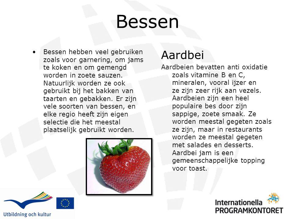Bessen Bessen hebben veel gebruiken zoals voor garnering, om jams te koken en om gemengd worden in zoete sauzen. Natuurlijk worden ze ook gebruikt bij