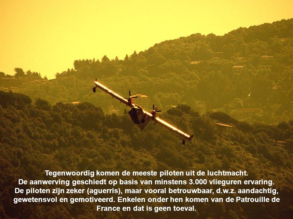 Tegenwoordig komen de meeste piloten uit de luchtmacht.